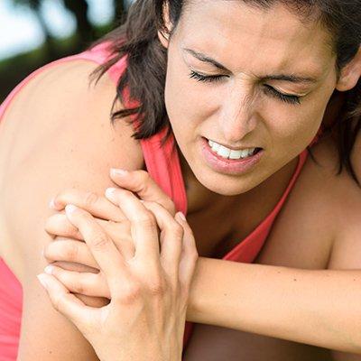 lo-sai-alcune-patologie-della-spalla-colpiscono-piu-le-donne-degli-uomini